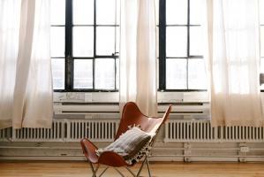 Wygodne biurko – podstawą pracy